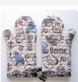 sewing-for-christmas-oven-mitts